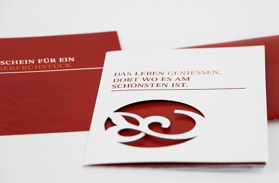nachhaltiges grafik design salzburg schlosscafe folder aussen